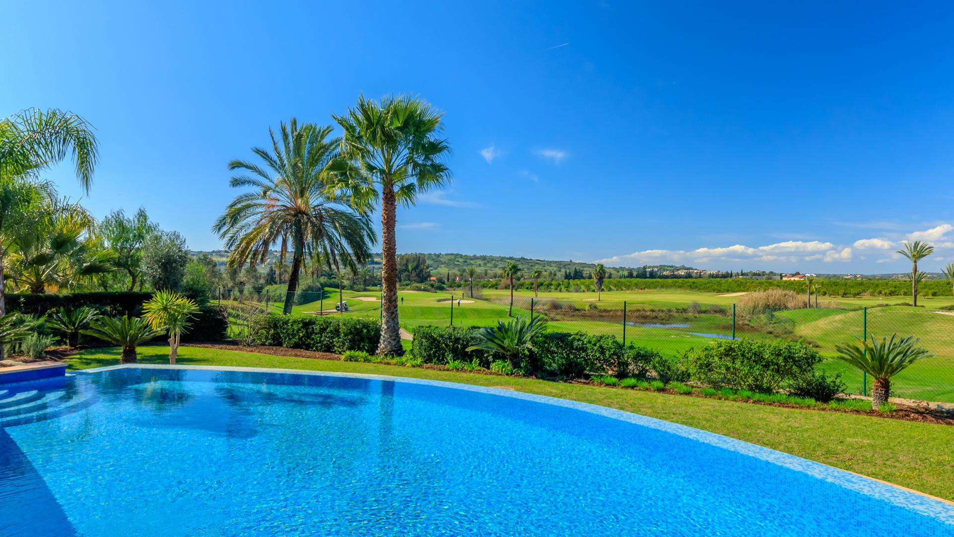 Property for sale in the Algarve: the safest choice!